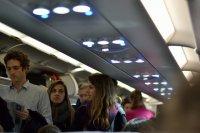 pasażerowie i odwołany lot samolotu